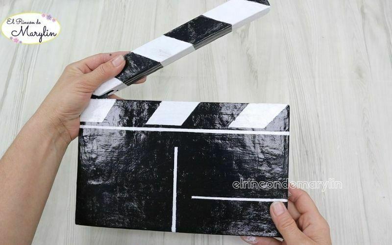 claqueta de cine casera con carton